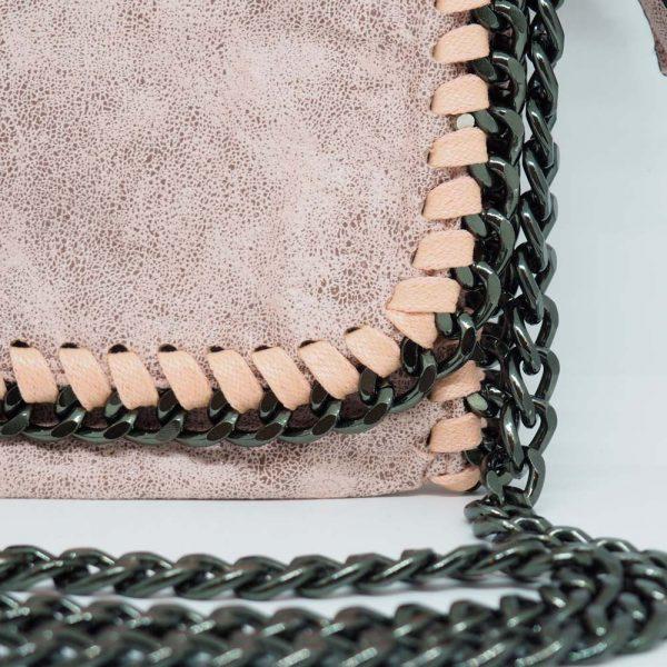 Bolso con cadenas
