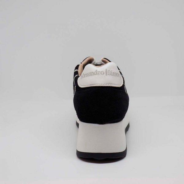 Sneaker negro para mujer