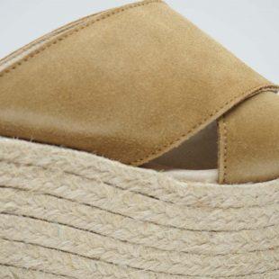 Sandalia de yute con plataforma
