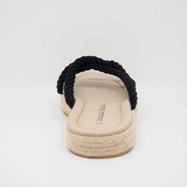 Sandalia plana de esparto